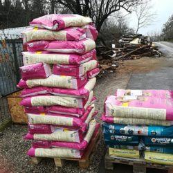 Das Tierheim Bogancs in Zalaegerszeg erhielt heute 860 kg Hundefutter