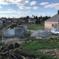 Die Bauarbeiten in Livias kleinem Tierasyl gehen voran….